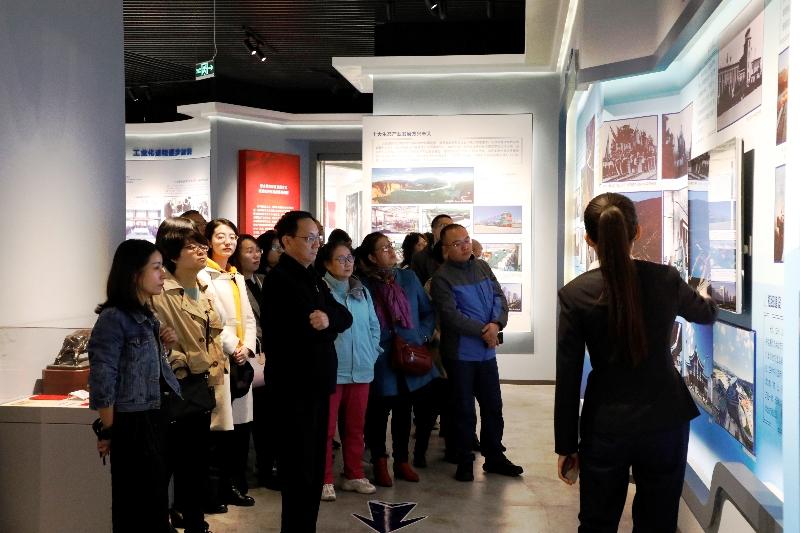 省情报所组织参观甘肃省庆祝中华人民共和国成立70周年主题展览03