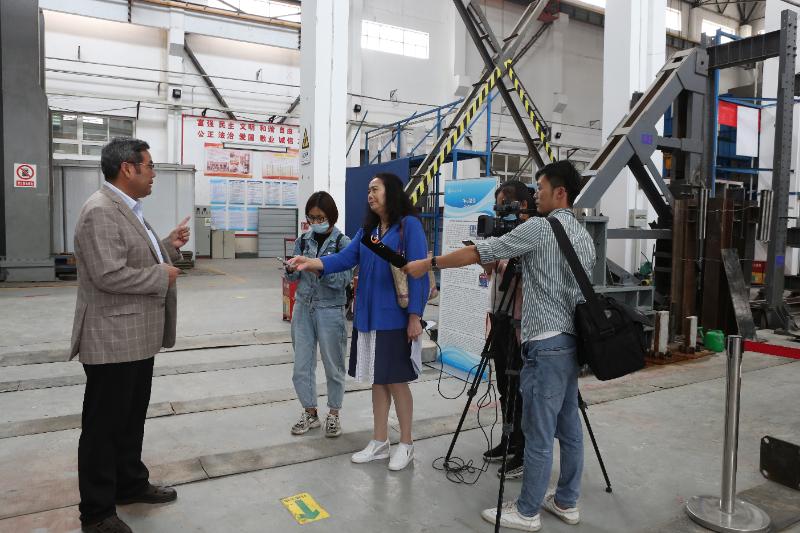 組織媒體赴蘭州理工大學采訪甘肅省科技進步獎